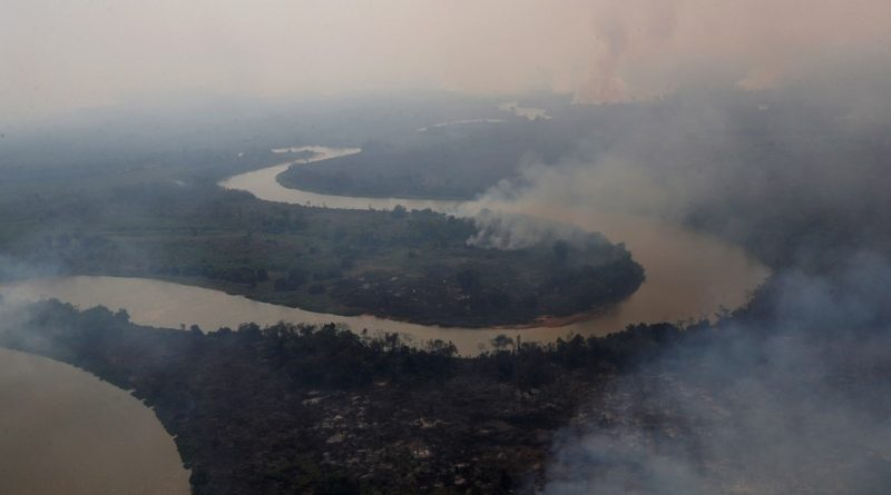 Chuva preta no Paraná é efeito da Fumaça do Pantanal